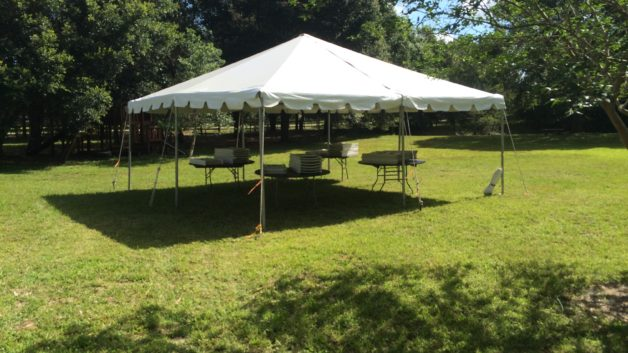 graduation party frame tent