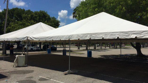 2 x 30' x 30' tents